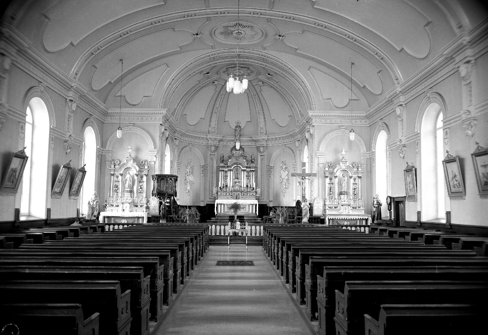 Photo église 1958-2 (Photo : © Alain Vila)